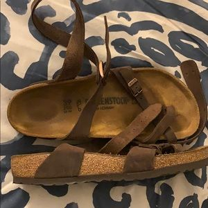 Size 39 Birkenstock Yara Sandals